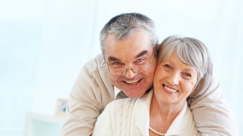 seniori, manželia, radosť, objatie, Vianoce