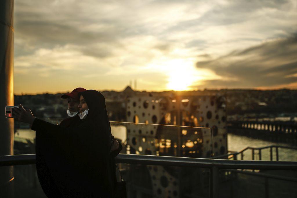 Turecko, Istanbul, rúška, fotenie, selfie