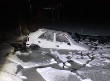 nehoda auto priehrada