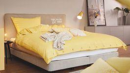 Posteľné obliečky v jemnej žltej farbe Tom Tailor, predávajú sa za 89,99 eura.