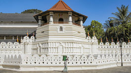 Srí Lanka, Chrám svätého zuba, Kandy, budhisti