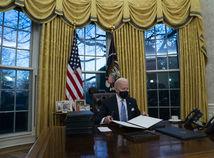 Joe Biden, Oválna pracovňa