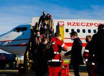 Na Slovensko pricestovalo 65 poľských zdravotníkov, pomôžu pri skríningu