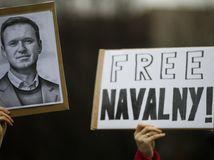 Za oslobodenie Navaľného protestovali po celom Rusku tisíce ľudí, zatkli i jeho manželku
