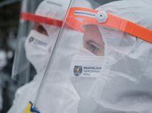 Pribudlo 71 úmrtí na Covid, pozitivita PCR testov výrazne klesla
