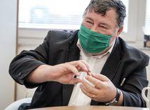 Profesor Krčméry o boji s vírusom: Strata autority vedie k chaosu