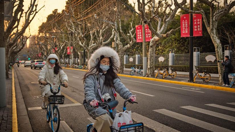 Šanghaj, cyklisti, rúška