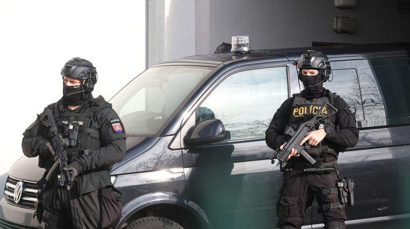 súd v Pezinku, polícia, sprievod Imreczeho,