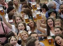 Nemecko Bavorsko koronavírus pivo Oktoberfest zrušenie