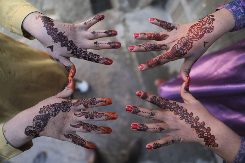 Afganistan, ruky, hena,