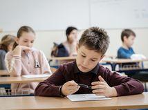 Dátoví analytici radia: Nepúšťajte deti do škôl