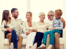 rodina, generácie, rodičia, vnúčatá, radosť