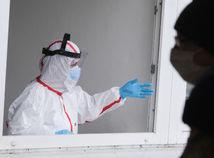 PCR testy odhalili 2522 infikovaných. Počet úmrtí sa zvýšil o 74