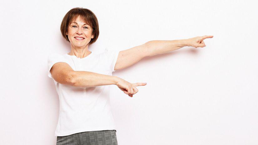 žena, radosť, ukazovanie, penzistka