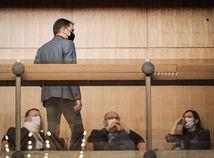 Vypne Slovensko drsný lockdown? Matovič upokojuje investorov, že nezavrie všetky firmy