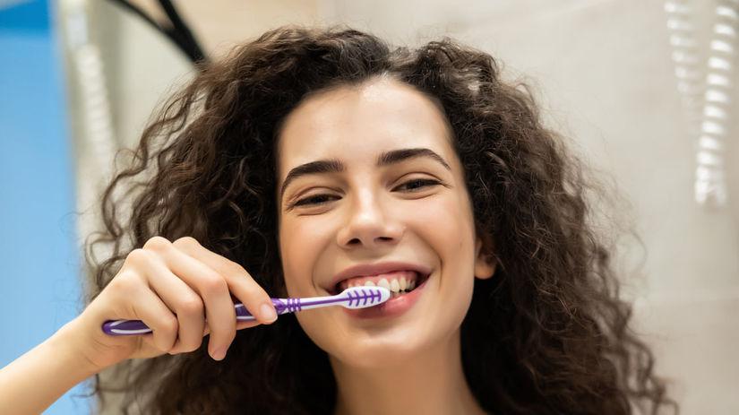 umývanie zubov, zubná kefka, zubná pasta,...