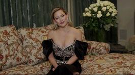 Herečka Kate Hudson počas príhovoru v rámci cien Zlatý glóbus.