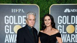 594213015Herecký a manželský pár Michael Douglas a Catherine Zeta-Jones prišli na vyhlásenie cien spoločne.