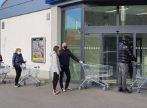 Bič na koronavírus? Čo na Slovensku platí od stredy 3. marca