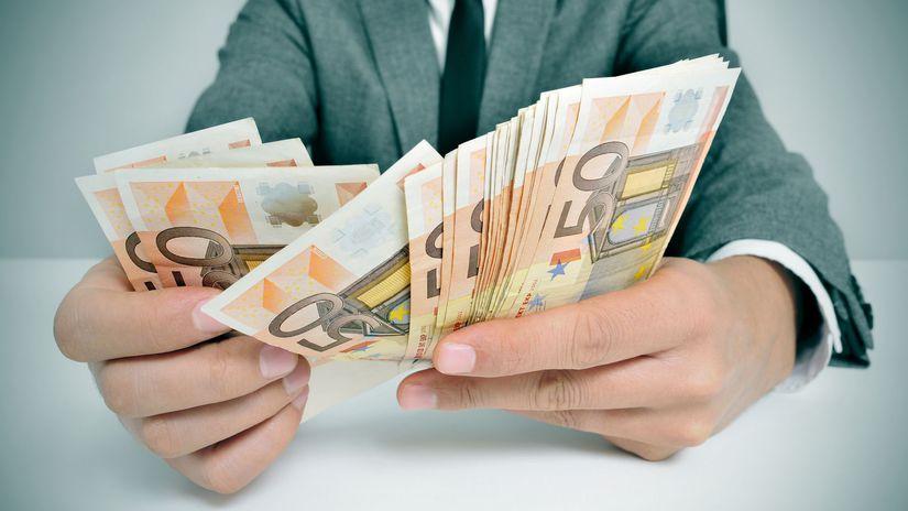 ruky, peniaze, euro, bankovky, oblek, počítanie