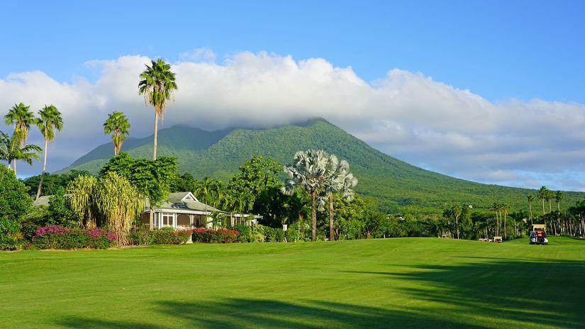 Nevis, golf