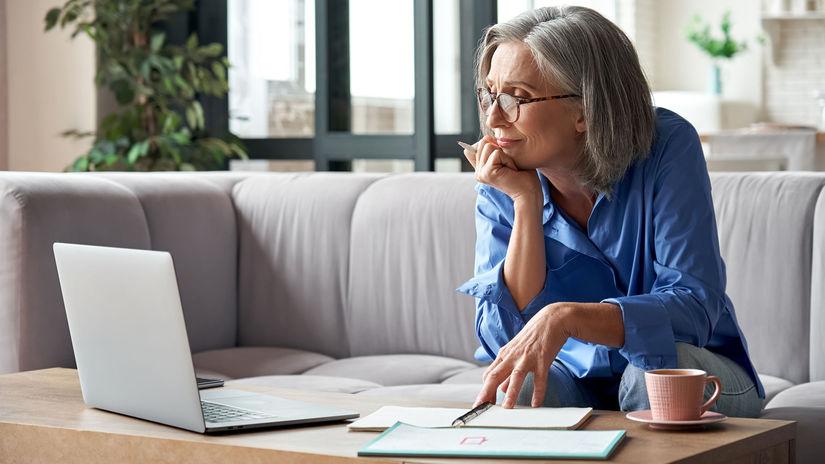 žena, penzistka, pracujúci penzisti