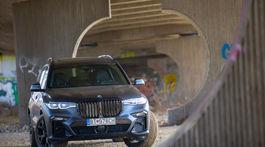 BMW X7 40d xDrive Dark Shadow (2021)