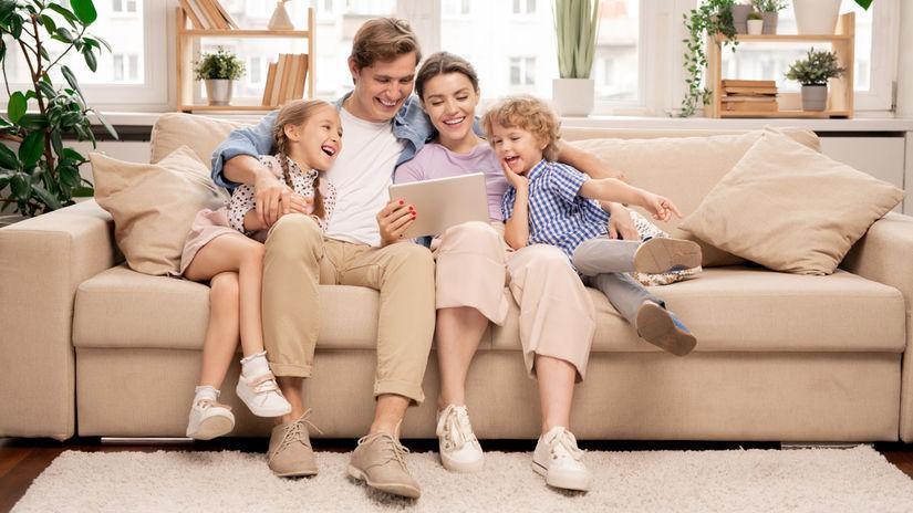 rodina, obývačka, gauč, radosť, tablet, zábava