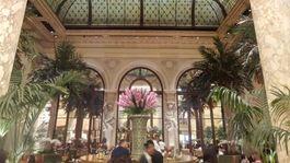 New York - lobby hotela plaza