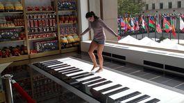 New York - slavny klavir v hrackarstve na ktorom hral tom hanks  toto je segra