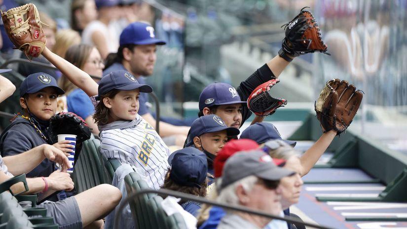 Milwaukee Brewers, Texas Rangers