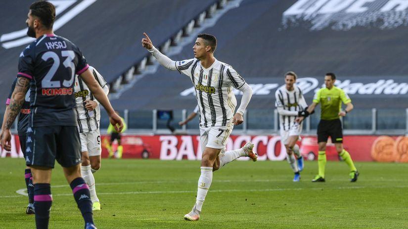 Taliansko futbal Serie A Juventus Neapol Ronaldo