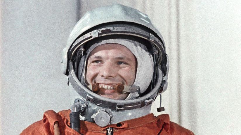 Jurij Gagarin, kozmonaut, skafander, úsmev