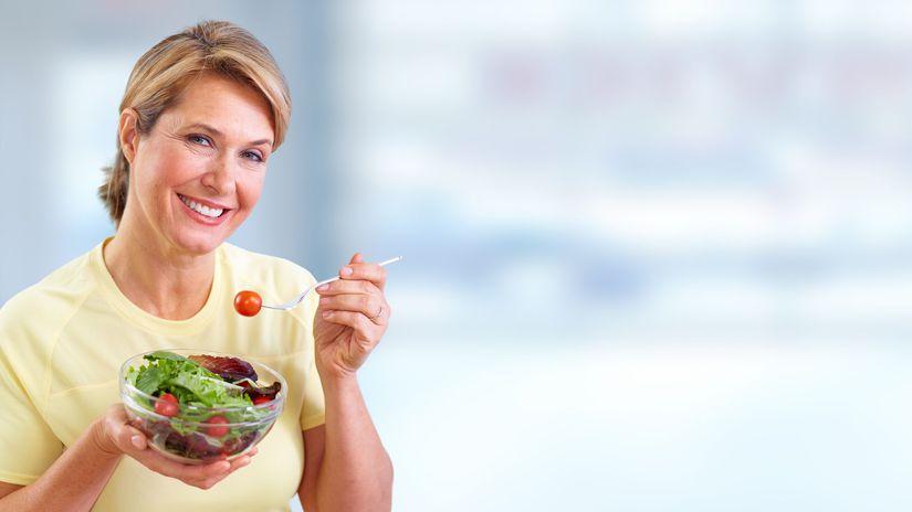 žena, šalát, penzistka, zdravá strava