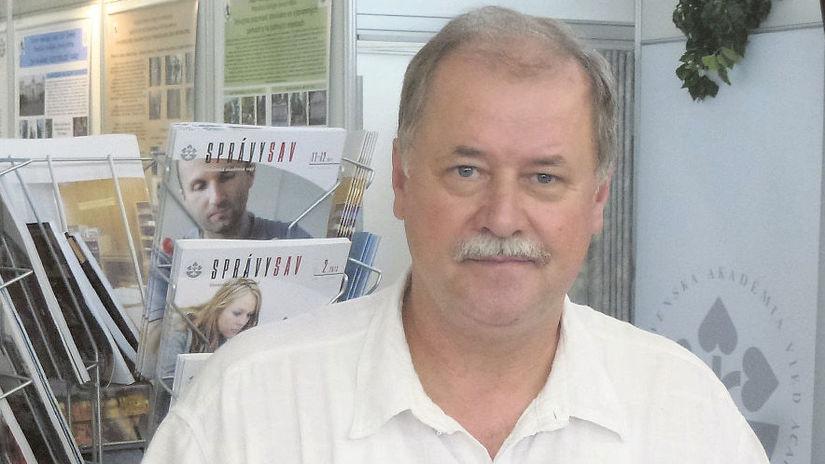parazitológ, Branislav Peťko, vedec, mikroskop