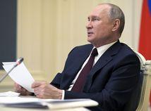 Putin: Zelenskyj musí najprv rokovať s donbaskými separatistami, potom s Ruskom