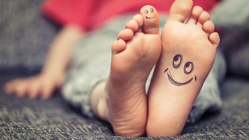 nohy, dieťa, chodidlá, smajlíky, detské nohy,...