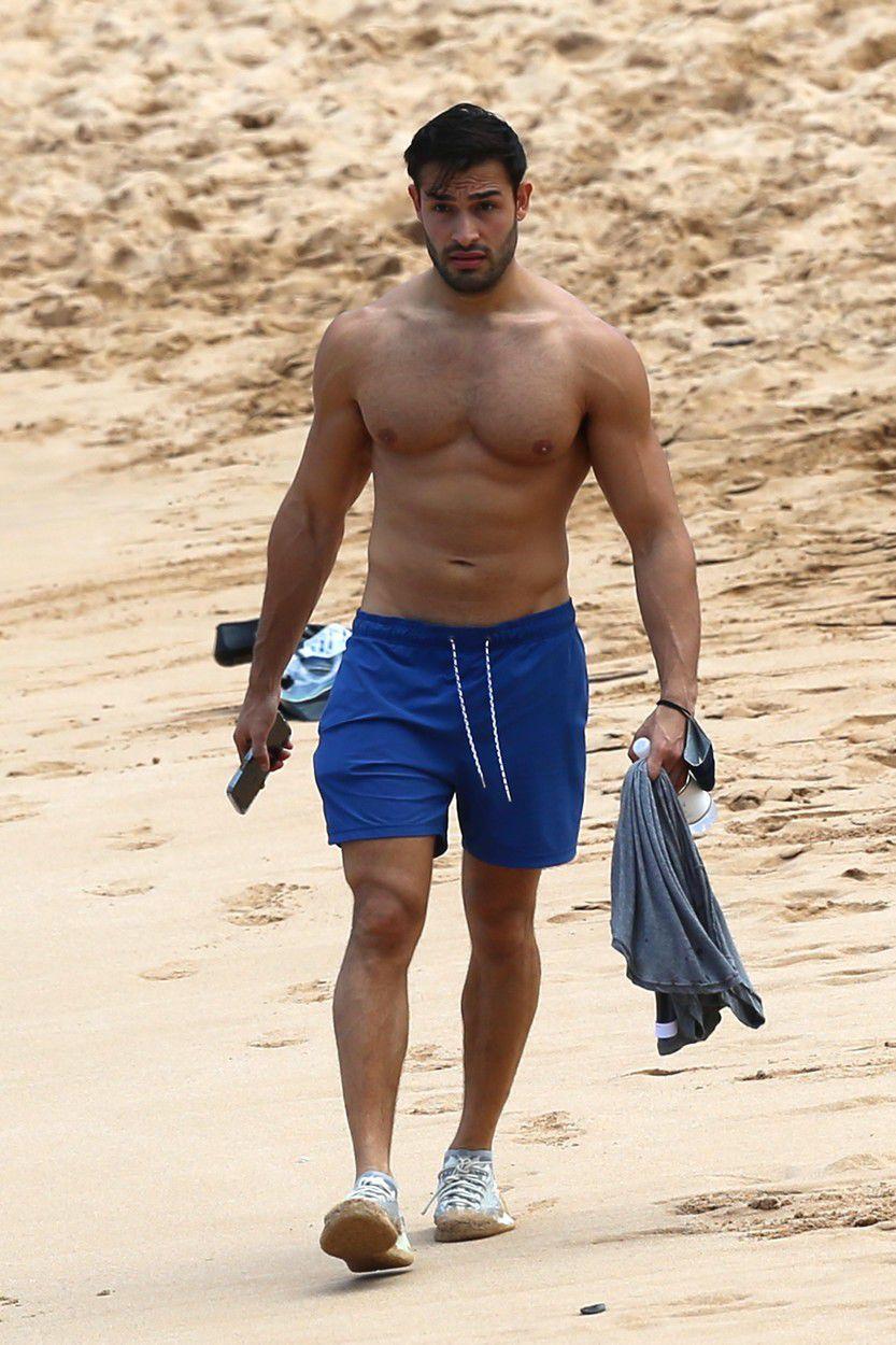 Fitness tréner Sam Asghari počas dovolenky na...