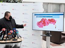 Slovensko od pondelka prechádza do ružovej fázy covid automatu, niektoré opatrenia sa uvoľňujú