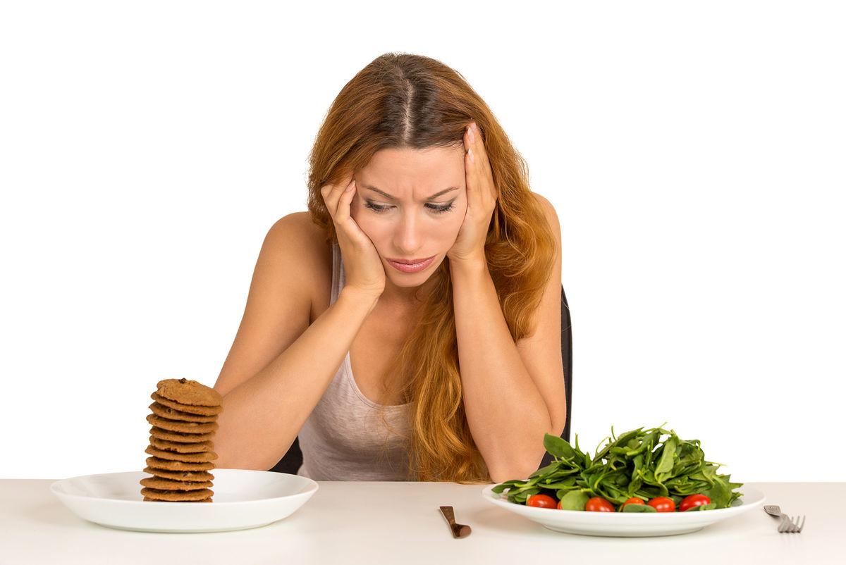 žena, rozmýšľanie, zdravá strava, nezdravá strava