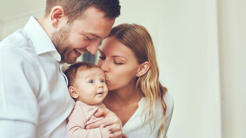 rodina, rodičia, dieťa, novorodenec, bábätko,...