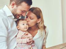 rodina, rodičia, dieťa, novorodenec, bábätko, radosť