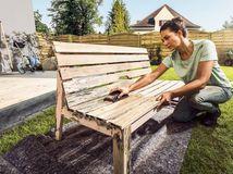 renovacia zahradneho nabytku