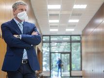 Rezort zdravotníctva očakáva, že tretia vlna epidémie bude už miernejšia. Má prísť na jeseň