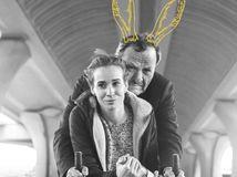 Muž so zajačími ušami film plagat 1 7 2021