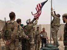 Afganistan / USA / Vlajka / Armáda / Vojak /