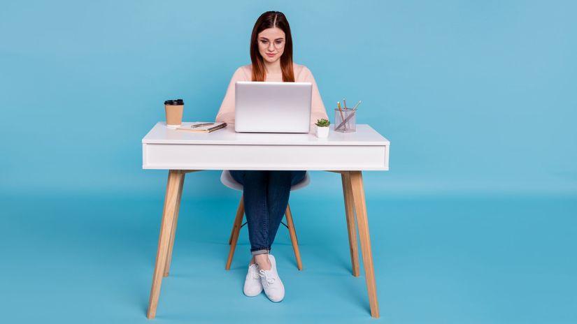 dievča, žena, študentka, notebook, práca, učenie
