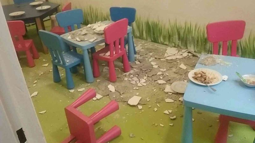 omietka školka stoličky