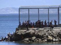 ceuta, migranti
