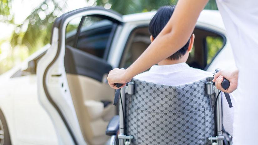 invalidný vozík, opatrovanie, pomoc, ZŤP, auto